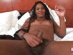 TS Lauren Williams Pleases Herself On Camera 3