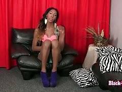 Sexy TS Diamond Kutz Starts Hot Solo Scene 1
