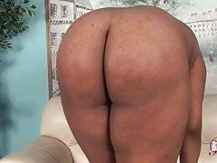 Fleshy Ebony TS Dreamer Strips And Poses For You 3