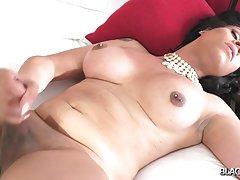 Kinky Khia Cums!