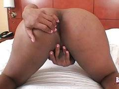 TS Lauren Williams Pleases Herself On Camera 2