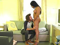 Skylar Penetrates Drakes` Ass!