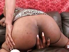 Sweet Black TS Nicole Poses For You 3